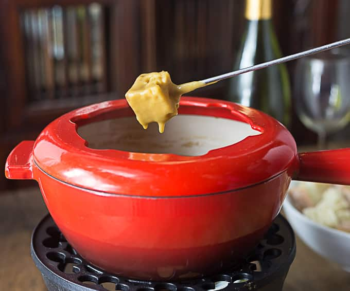 Irish Cheddar And Stout Fondue Recipe — Dishmaps