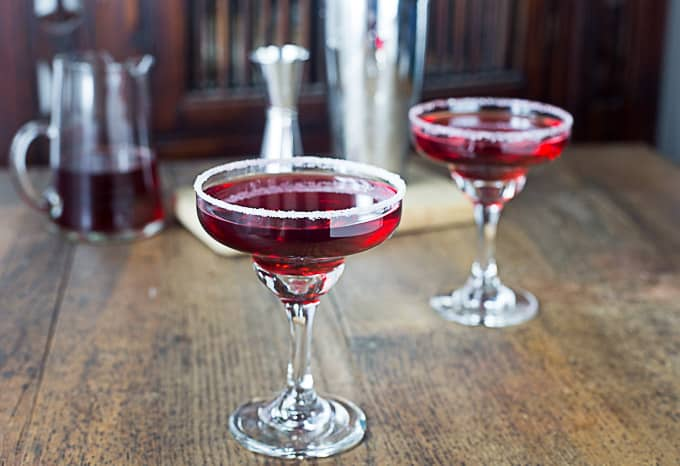 Sweet, tangy, light and refreshing pomegranate margarita with a sugar rimmed glass adds a nice contrast of flavors. | ethnicspoon.com