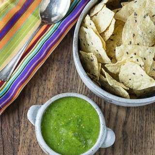 Got chips? You need some mango tomatillo salsa verde! A little heat and sweet is a great combination! | ethnicspoon.com