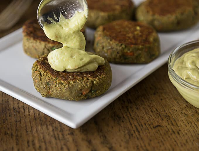 Try a healthy burger with amazing flavors! Spicy curry lentil burgers ...