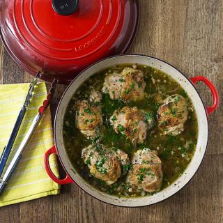 Tender and juicy beer braised herbed chicken. You can use chicken breast or thighs. You'll love this recipe and it will fill your house with a delicious aroma! | ethnicspoon.com